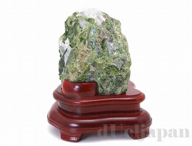 【処分価格】 ダイオプサイド 原石(木製台座付)2850g